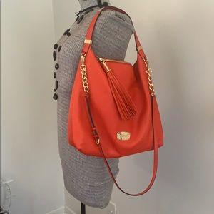 Michael Kors Bags - 🍊Michael Kors Tote with shoulder strap
